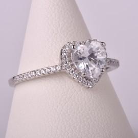 Anello cuore con zircone in argento 925/100